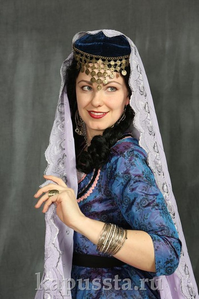 Georgian women's costume