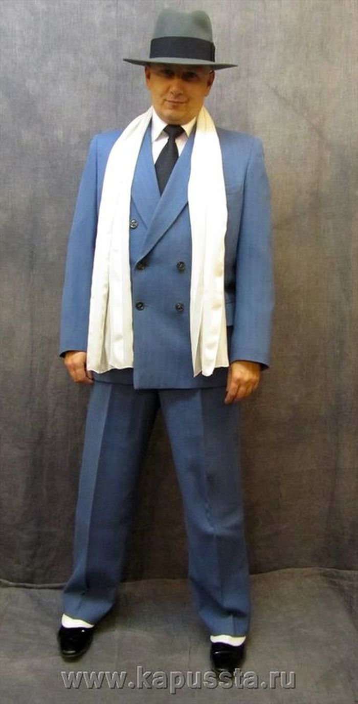 Blue gangster costume with accessories
