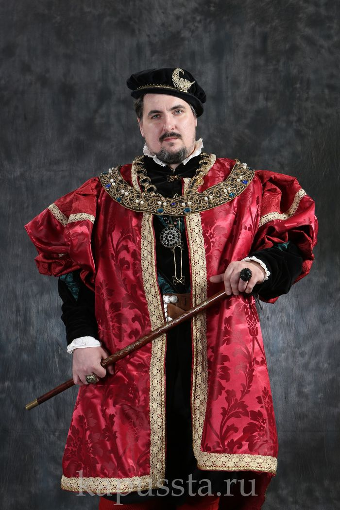 Male Renaissance costume in red