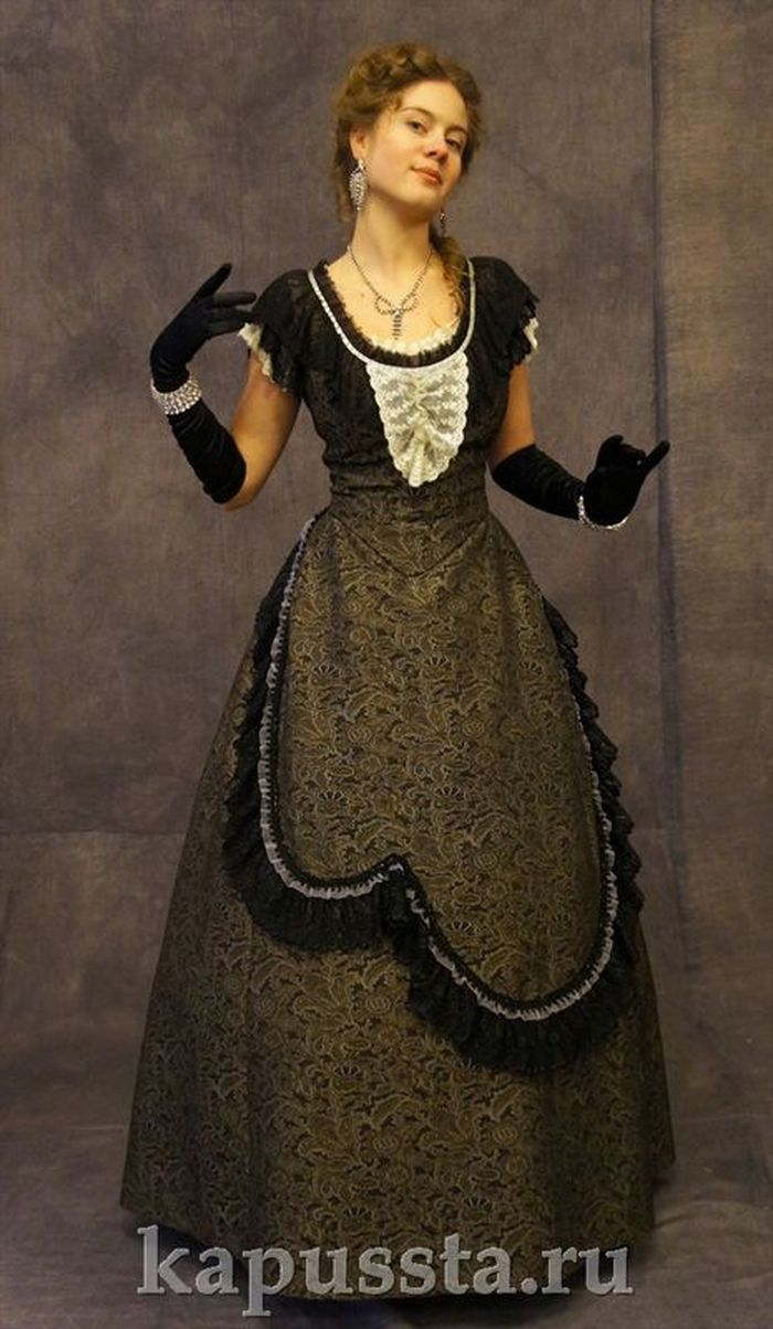 Ballroom dress of the 19th century