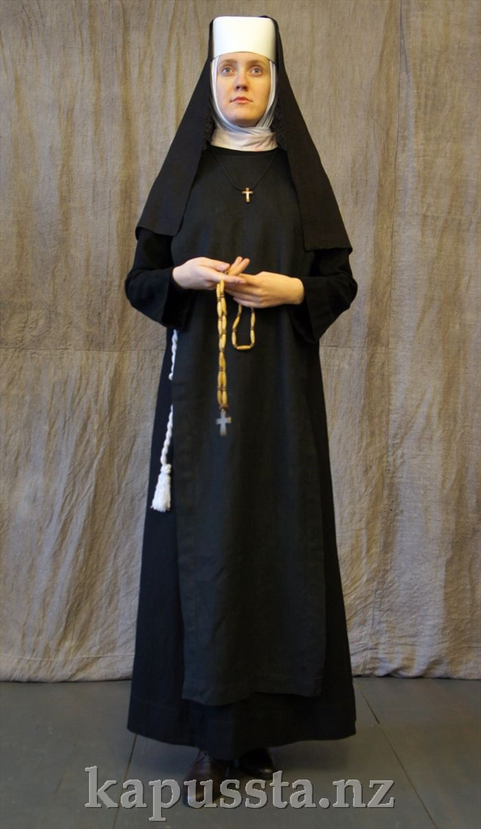 Nun costume in black
