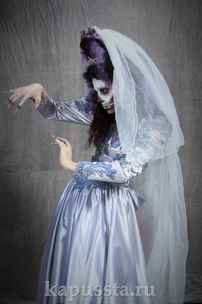 Costume of the Dead Bride