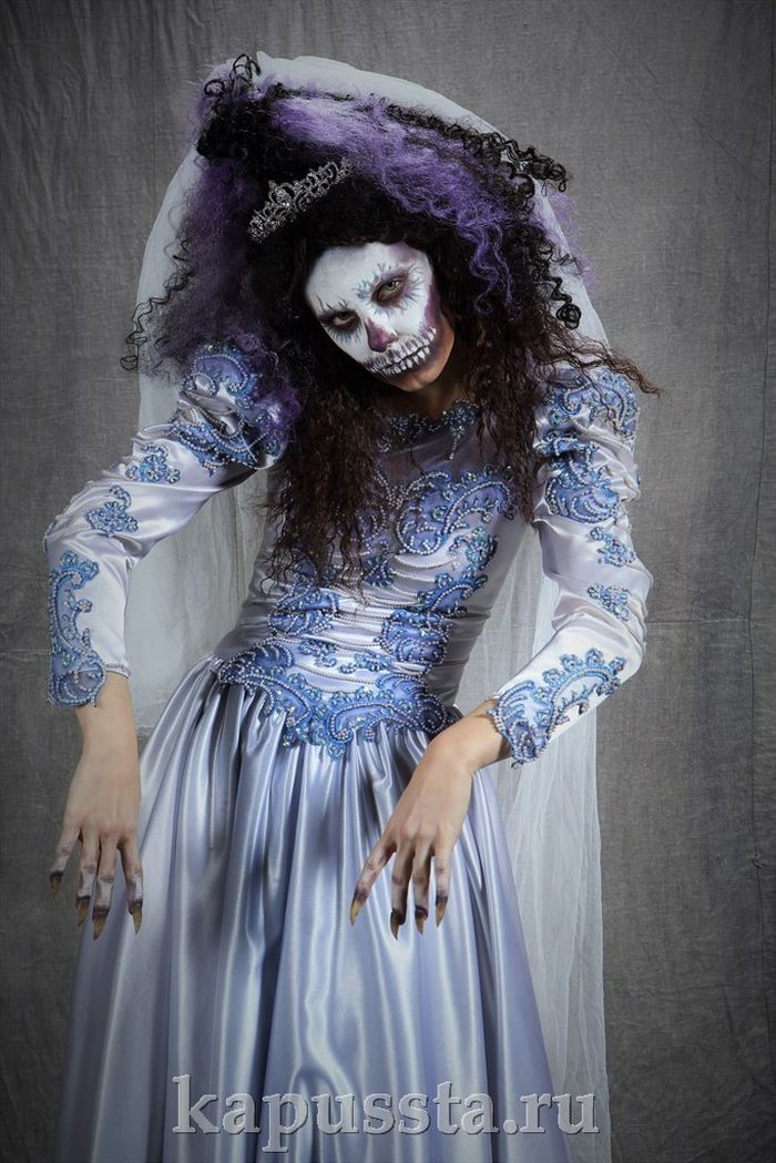 Suit of the Dead Bride with spectacular make-up